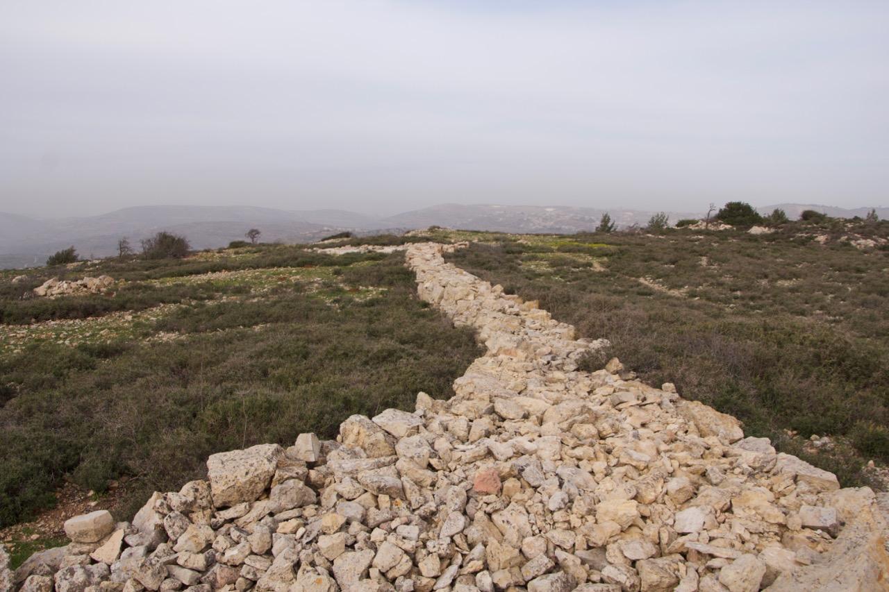 Muro que separava complexo santo em Betel