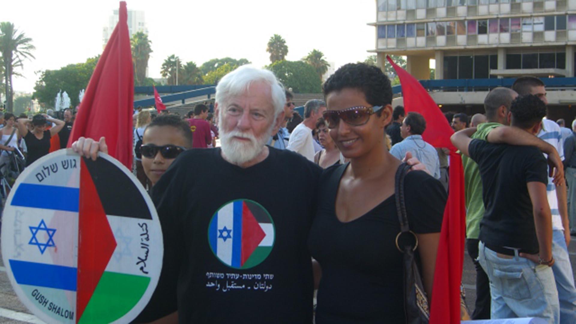Aos 94 anos morre o jornalista e escritor israelense Uri Avnery